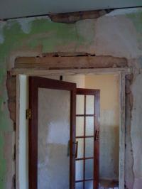 Door lintel